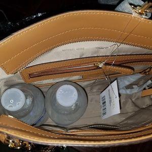 Michael Kors Bags - Mk nwt